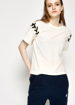 MONOTONE - LACE UP SHOULDER TEE