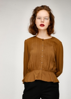 PIN TUCK VOLUME BLOUSE