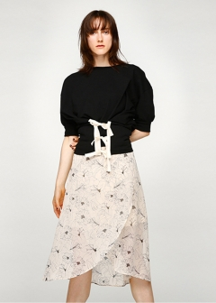LINE FLOWER WRAP SKIRT