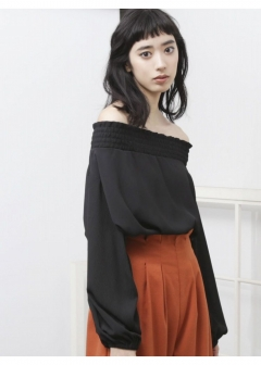 EMODA - SMOCK OFF SHOULDER TOP