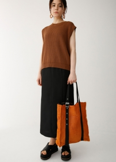 EYELET SQUARE TOTE BAG