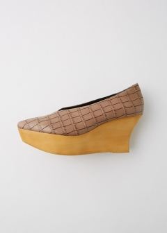 WOOD SOLE PUMPS