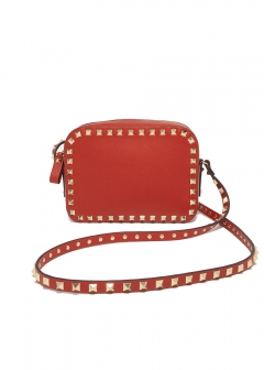 【最大32%OFF】ROCKSTUD CROSS BODY BAG|ROSSO V|ボディバッグ|VALENTINO_(TI)