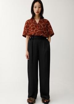 NARROW PLEATS WIDE PANTS