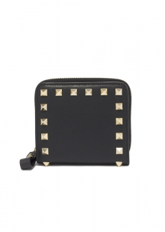 【最大32%OFF】ROCKSTUD COMPACT ZIPPED WALLET|NERO|レディース財布|VALENTINO_(TI)