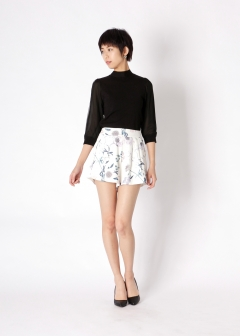 water flower tuck short pants