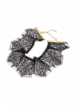 scallop lace choker