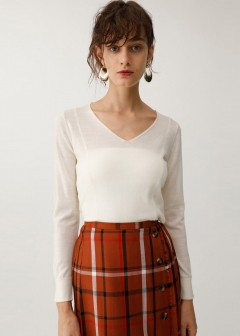 STANDARD V NECK SWEATER