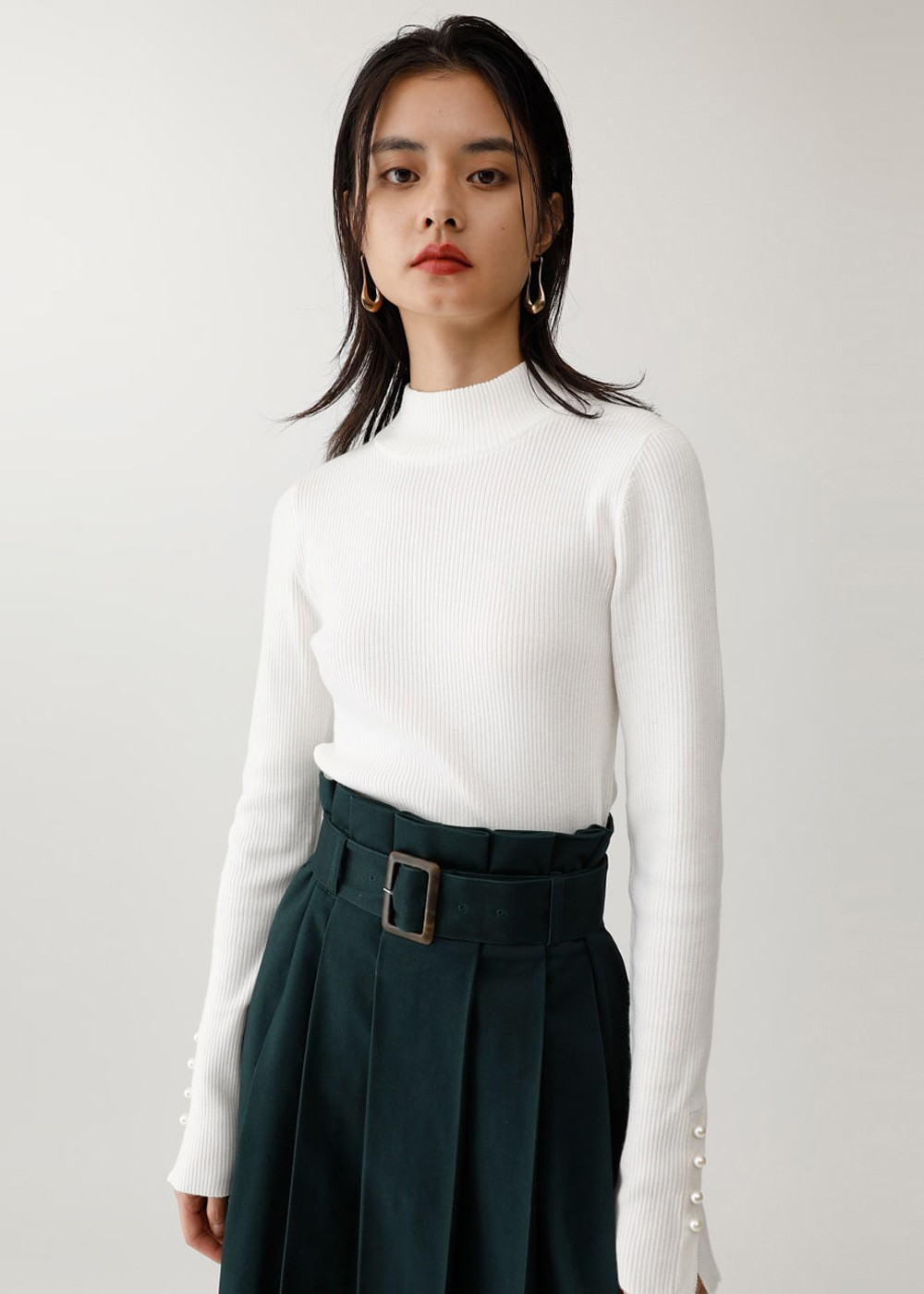 【最大60%OFF】BUTTON SLEEVE RIB KNIT|O/WHT|ニット|MOUSSY