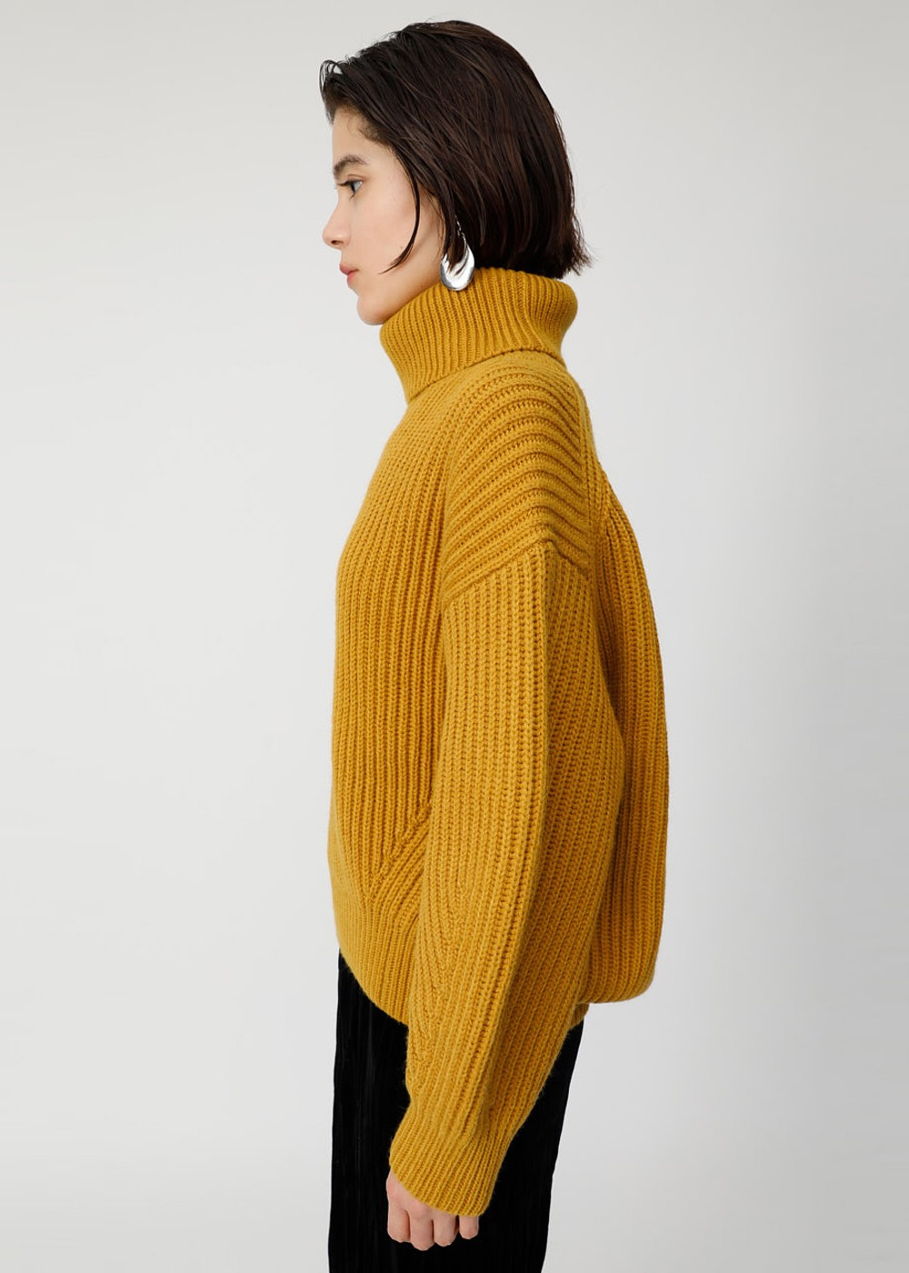 【最大60%OFF】HI NECK VOLUME SLEEVE KNIT|YEL|ニット|MOUSSY