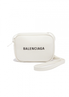 BALENCIAGA - 【2/11入荷】EVERYDAY CAM BAG XS