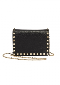 【'19春夏新作】ROCKSTUD POUCH WITH CHAIN