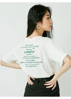 GIRLS NIGHT OUT Tシャツ