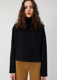 TURTLE NECK SHORT SWEAT