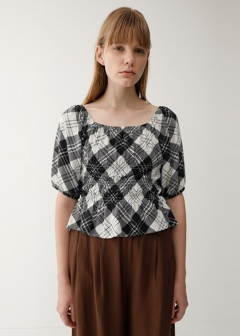 SQUARE NECK PUFF SLEEVE TOP