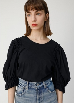 VOLUME SLEEVE CUT TOP