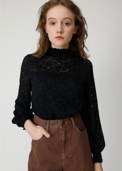 SHIRRING PLEATS LACE TOP