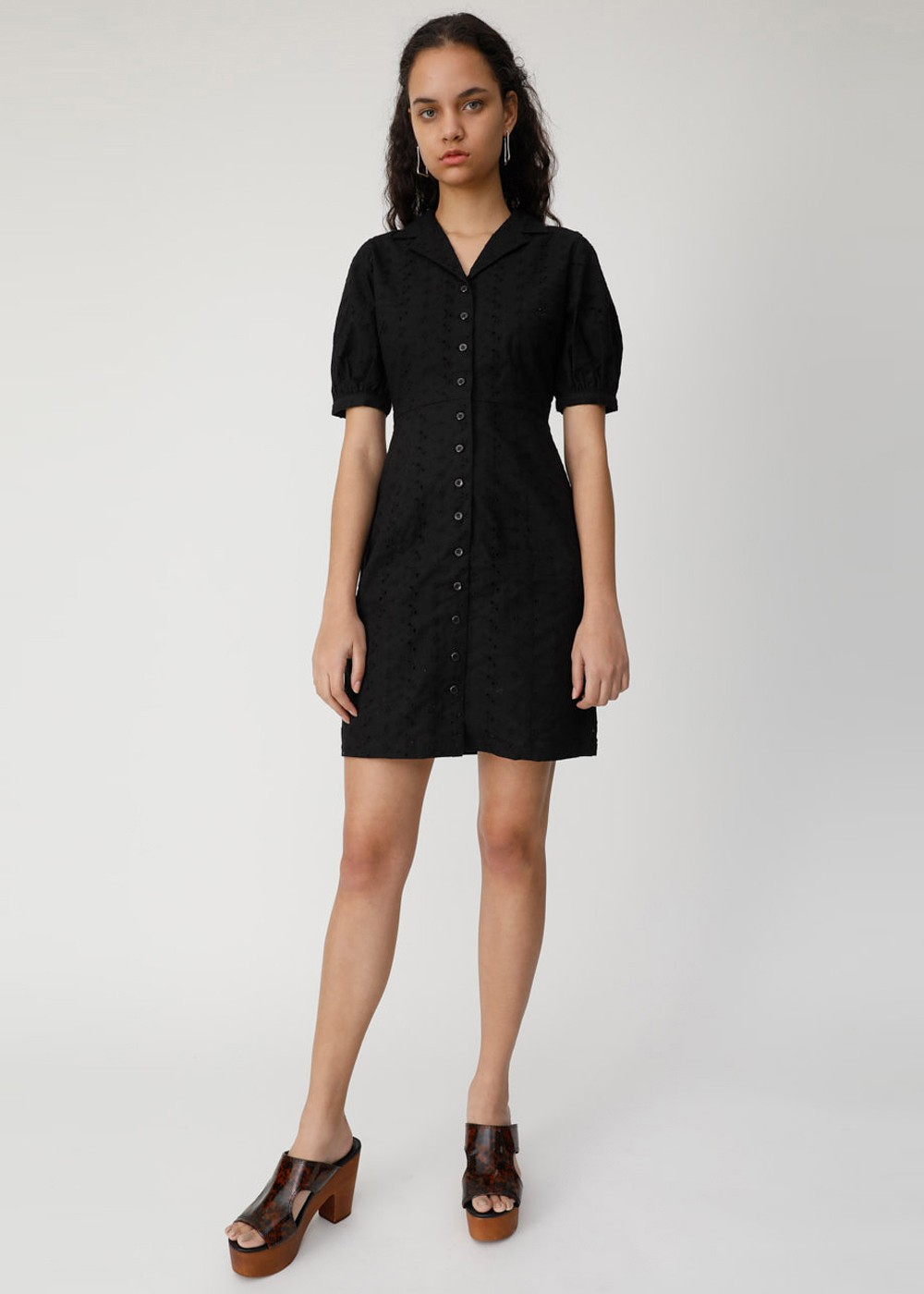 【最大70%OFF】COTTON EMBROIDERY MINI DRESS|BLK|レディースワンピース|MOUSSY